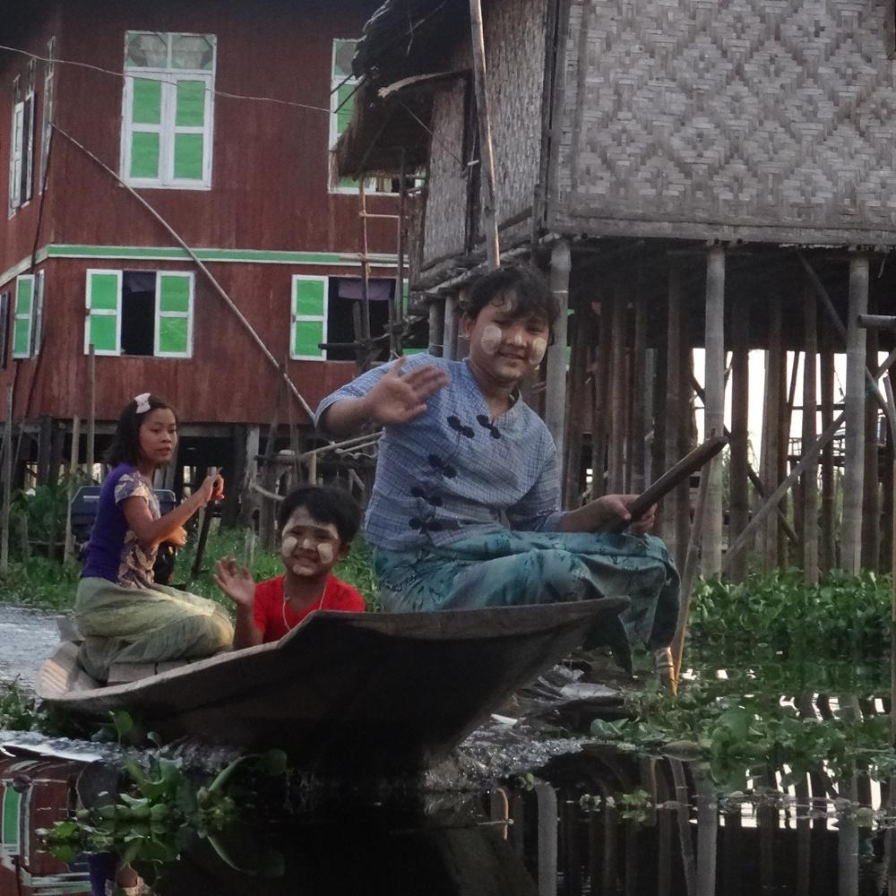 Balade dans les villages sur l'eau à Inle