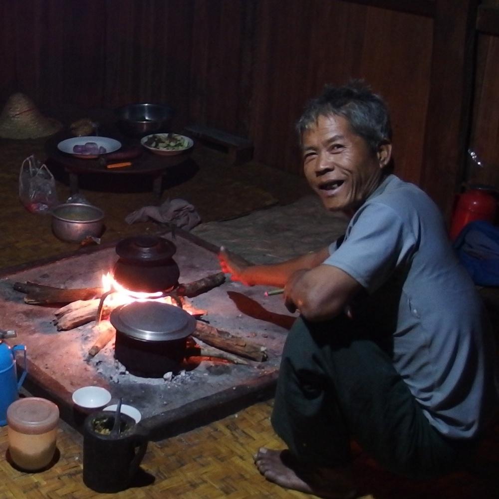 Le propriétaire de la maison lors de notre seconde nuit de trek