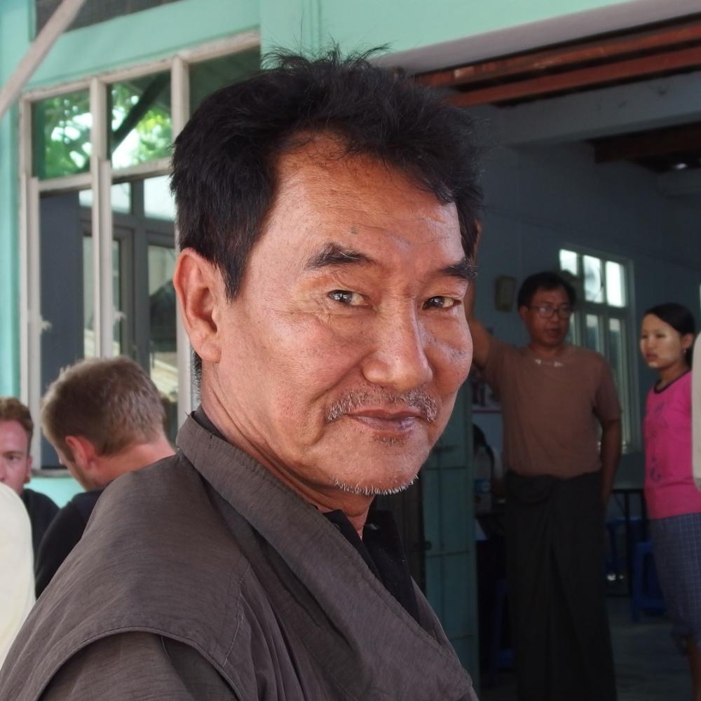 Lors d'un arrêt lunch entre rangon et ngwe saung